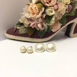 2 Pair of Vintage Faux Pearl Clip on Earrings